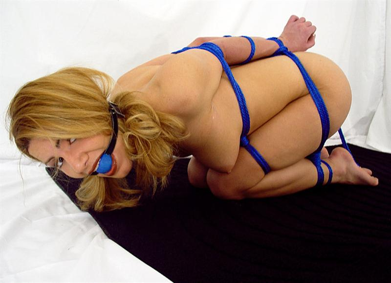 crossdressing and bondage
